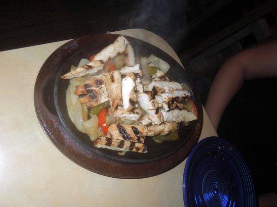 La Playa Mexican Grille: Chicken enchiladas