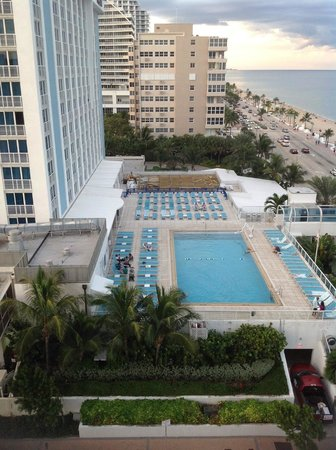 The Westin Beach Resort, Fort Lauderdale: View from room looking at hotel pool in the afternoon