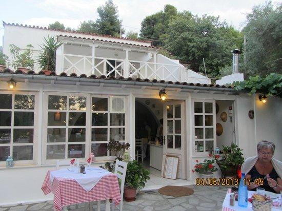 Taverna Stathis-Lia: Indoor Area