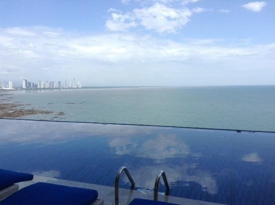 Trump Ocean Club International Hotel & Tower Panama: pool...