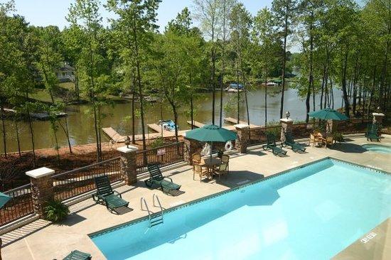 The Lodge on Lake Oconee: Pool and Docks
