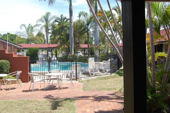 Hervey Bay Colonial Lodge: Pool Area