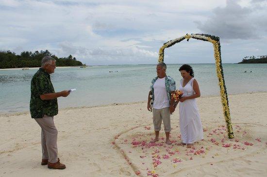 Muri Beach Club Hotel: Muri Beach Hotel, stay and wedding