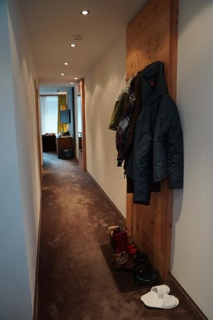 Das Kronthaler: family room (corridor)