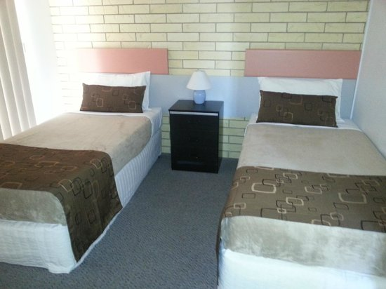 Beachside Motor Inn: 2nd Bedroom 2 bedroom self contained apartments