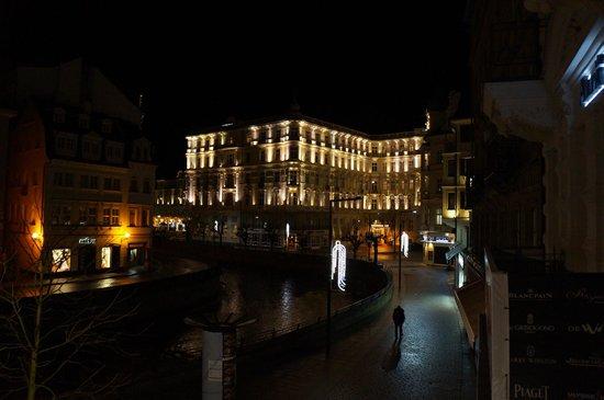 Ostende Spa Hotel : Вид с балкона на отель Pupp