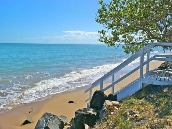 Beachside Motor Inn: Hervey Bay Beach