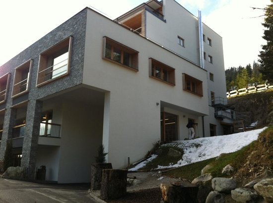 Das Kronthaler: entrance to the ski room