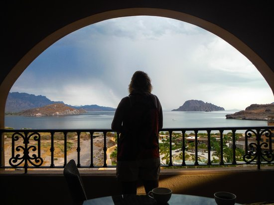 Villa del Palmar Beach Resort & Spa at The Islands of Loreto: A small storm blew through