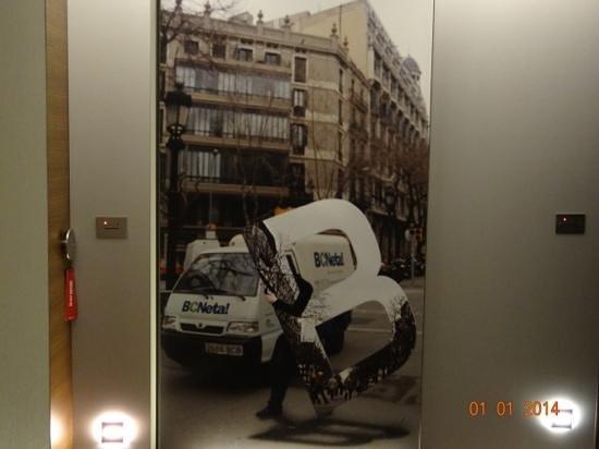 B-Hotel: nei corridoi...