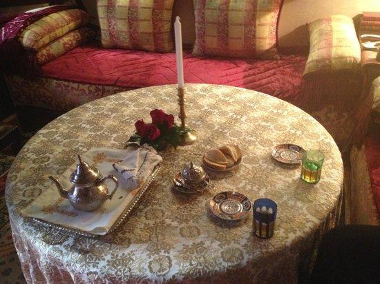 Riad Kniza : Arrival tea