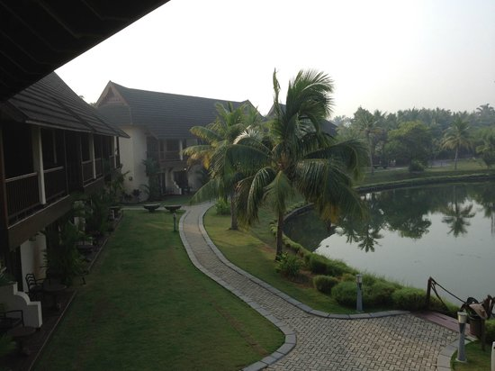 The Zuri Kumarakom: Hotel grounds