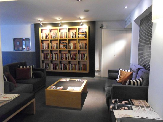 """Hotel Jazz: La libreria """"trompe-l'oeil"""""""