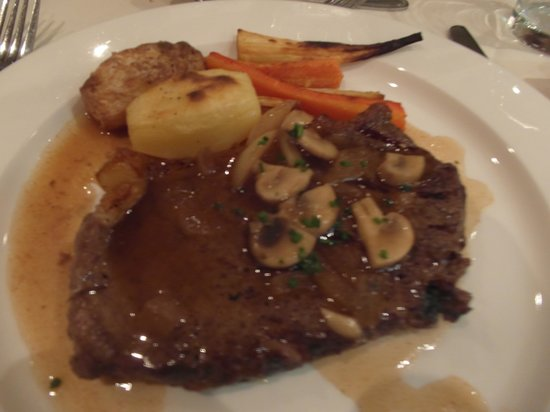 Kingsmills Hotel: Fillet of Highland beef