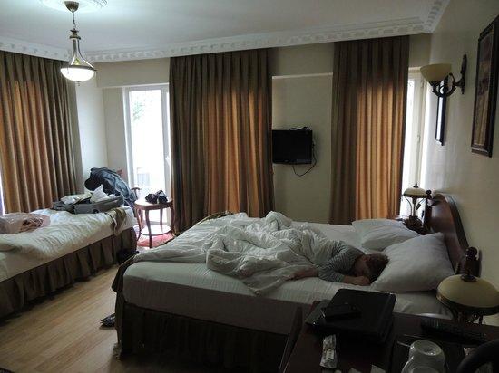 Basileus Hotel: quasi svegli....