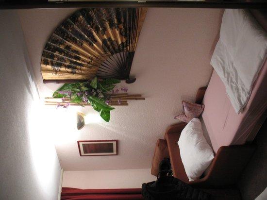 Baslertor Hotel: stanza 204 - letto aggiunto