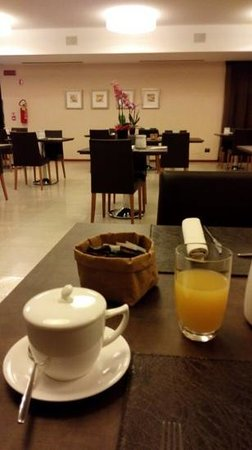 Hotel Napoleon: Ricca colazione