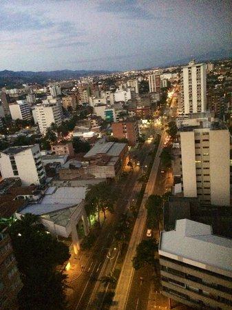Torre De Cali Hotel: Atardecer