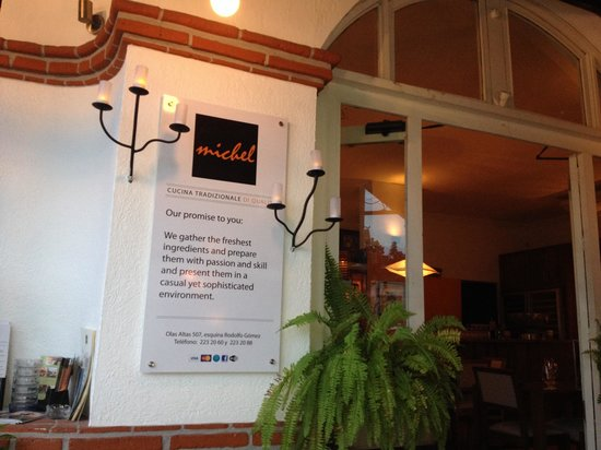 Trattoria Michel: entrance to restaurant.