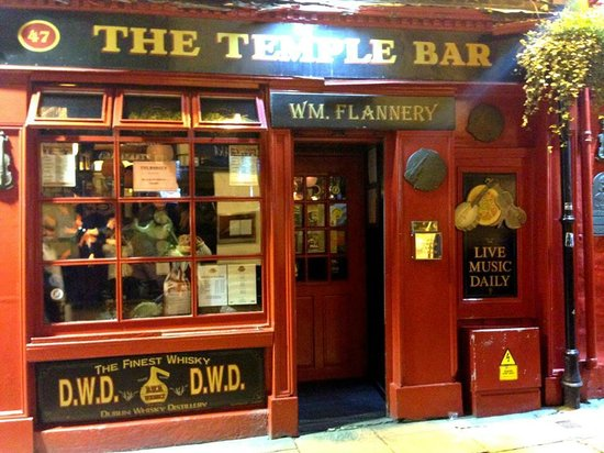 Kinlay House: The temple Bar