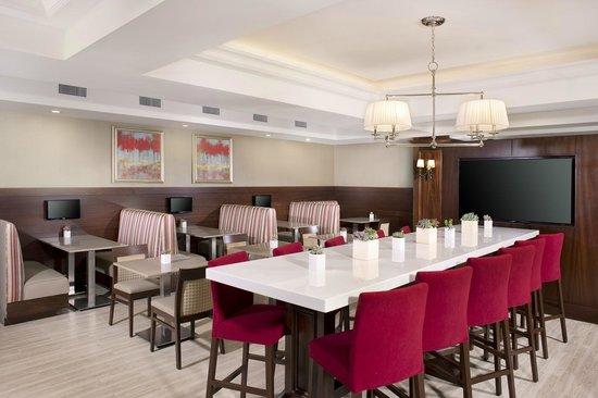 Ayres Hotel Fountain Valley/Huntington Beach : Fusion Bites Onsite Hotel Restaurant