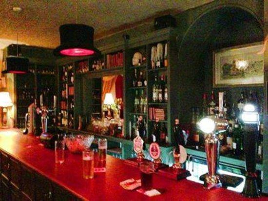 Bertie's Bar: Bar