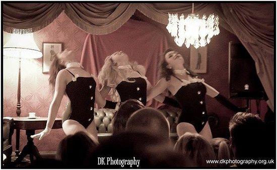 Bertie's Bar: Burlesque Show