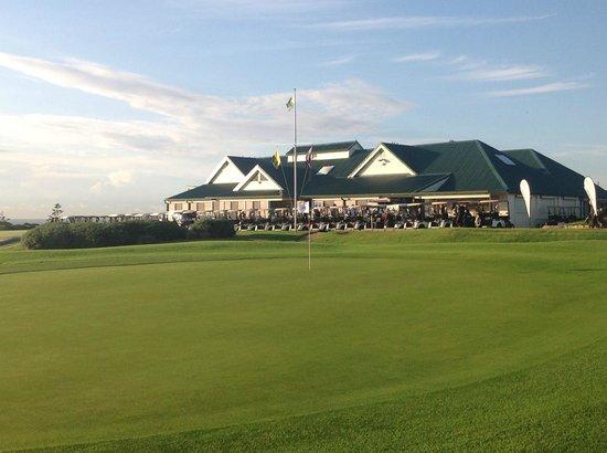 The Coast Golf Club - The Coast Restaurant: The Coast Golf Clubhouse