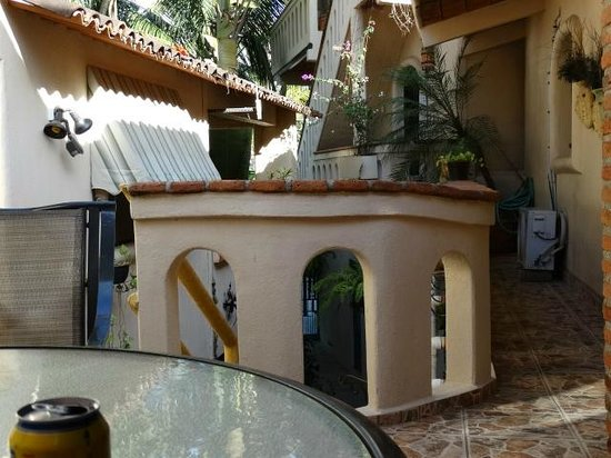 Macondo Bungalows: Our Patio - lots of space.