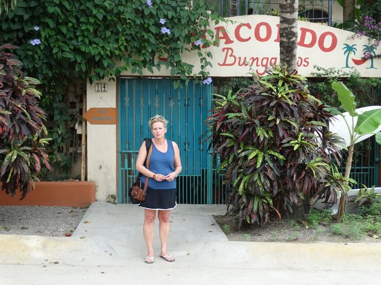 Macondo Bungalows : Front Entrance