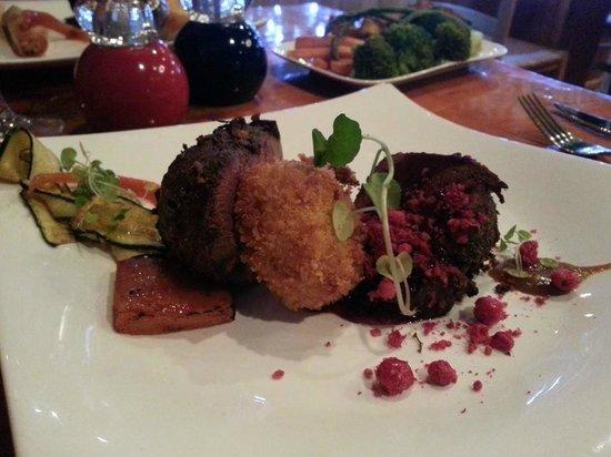 Ribier Restaurant: Grilled Venison filet w Kumara croquet, kumara Brule, garlic puree