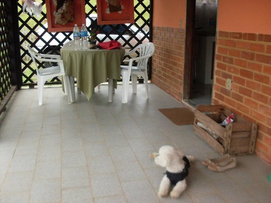 Hotel Fazenda Oberland : Varanda do chalé 3.