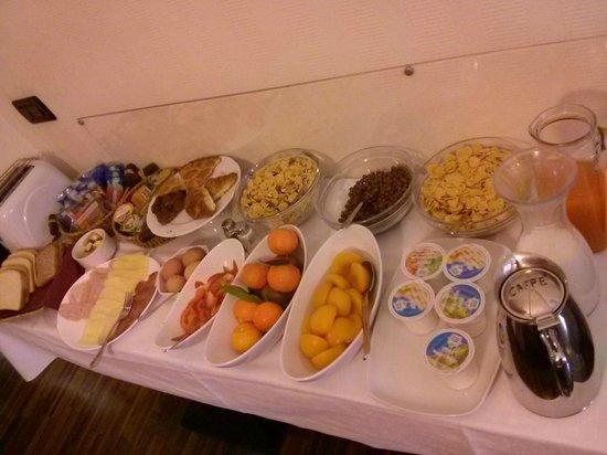 ميرولانا إن ريزيدينس: Breakfast