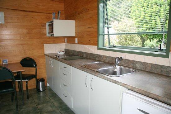 Whangarei TOP 10 Holiday Park: Motel - Studio; kitchen