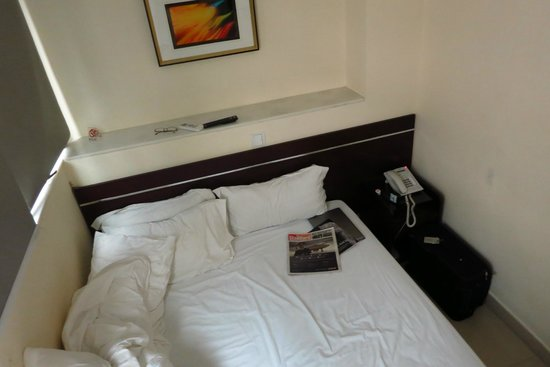 "Harbour Hotel: The ""Double"" Bed. Very Comfortable (for One) .."