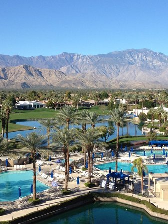 JW Marriott Desert Springs Resort & Spa: Golf course/mountain view