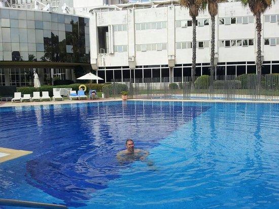 Silken Al-Andalus Palace Hotel: En la puscina