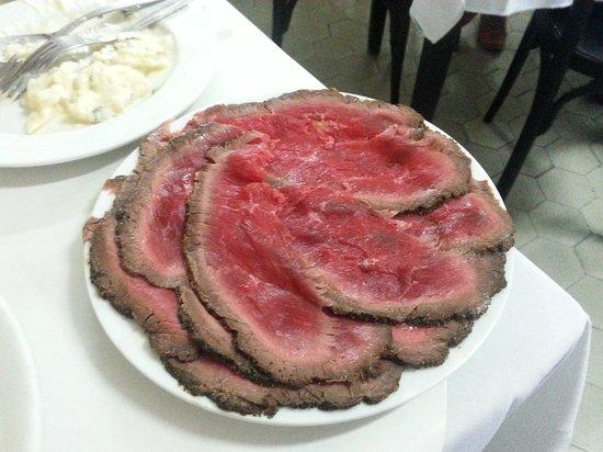 Bar Luiz: Rosbife e Salada de batata