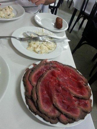 Bar Luiz: Rosbife e Salada de batata 2