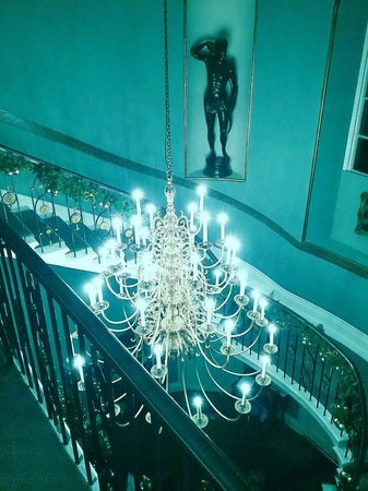 The Mount Somerset Hotel: Staircase