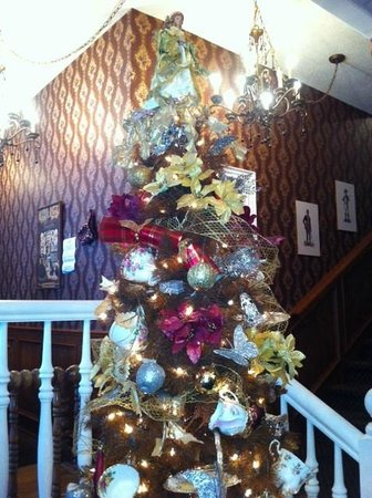 Queen Charlotte Tea Room : Tea Room Christmas Tree with Tea Cups and Cookies decorations