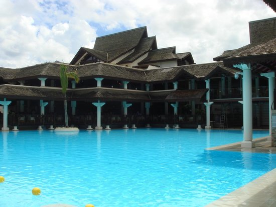 Sofitel Mauritius L'Imperial Resort & Spa: Vista da piscina