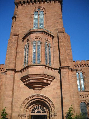 Smithsonian Institution Buidling: Smithsonian