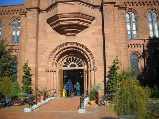 Smithsonian Institution Buidling: Smithsonian 2