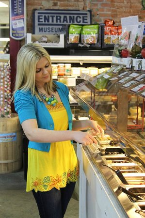 Medbery Marketplace: full-service deli and specialty grocery store