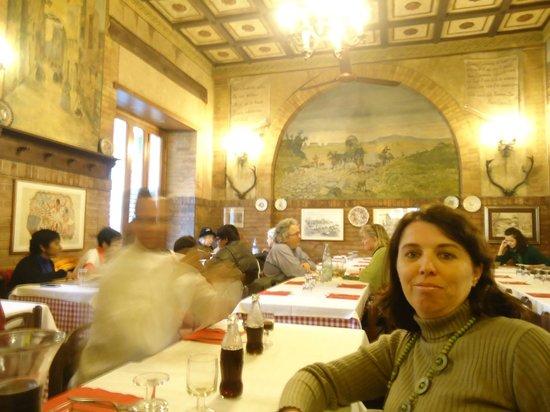 Ristorante Taverna Lino: Bem ambiente de cantina...