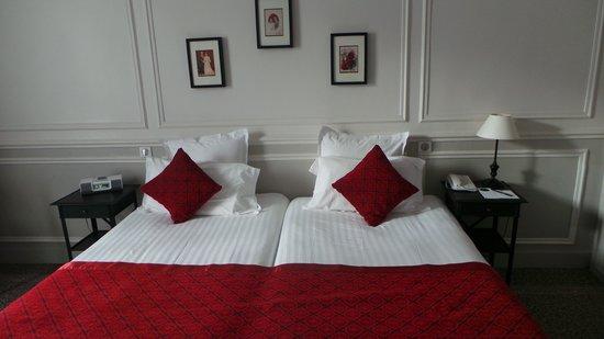 Hôtel Bradford Elysées - Astotel : Our twin room