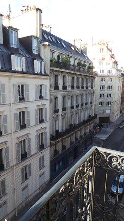 Hôtel Bradford Elysées - Astotel : View from our room