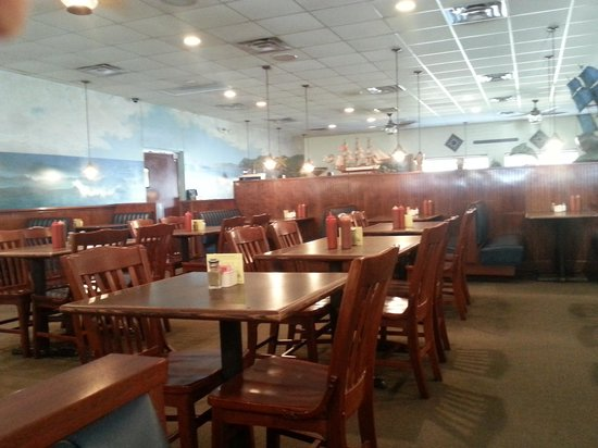 Mayflower Seafood Restaurant: Dining 2