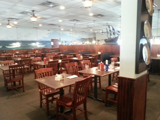 Mayflower Seafood Restaurant: Dining 4